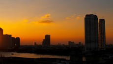 Photographs by Surmed Nisar last sunset of 2011 taken at Bangkok!! By: Surmed Nisar Mirza